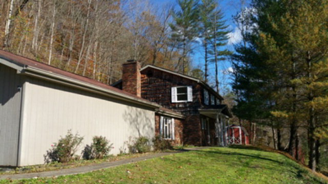 Real Estate for Sale, ListingId: 36306826, Hazard, KY  41701