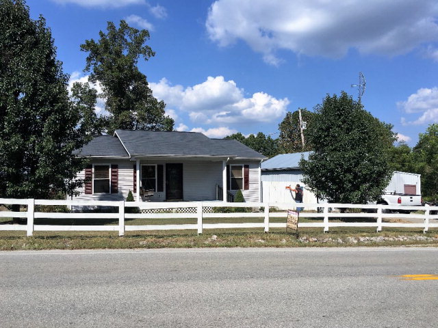 Photo of 2166 HWY 52 WEST  Beattyville  KY