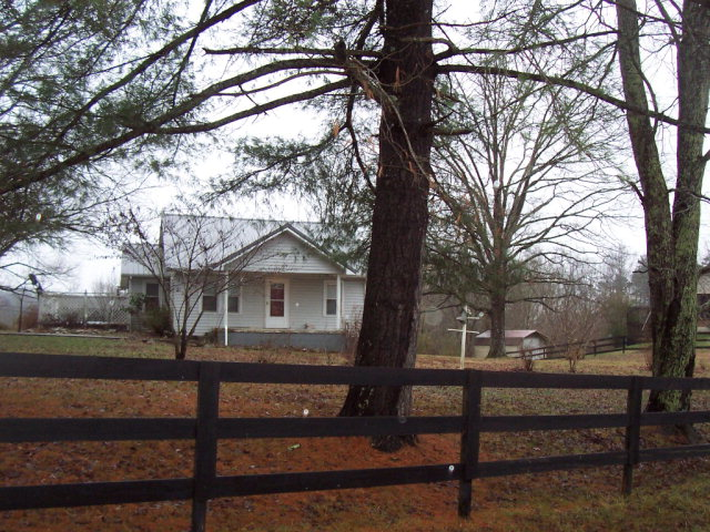 Photo of 3698 W HIGHWAY 52 WEST  Beattyville  KY