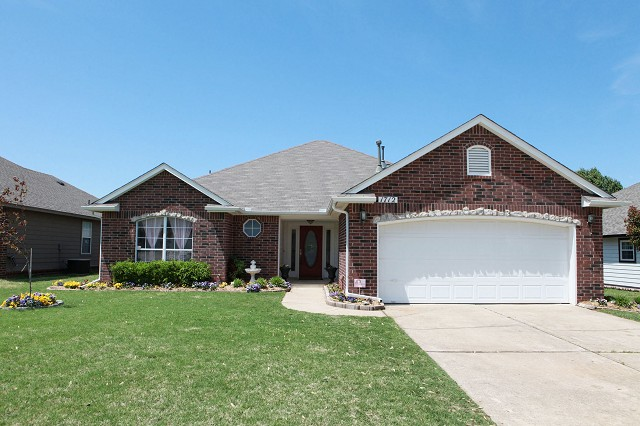 1712 S Gum Ave, Broken Arrow, OK 74012