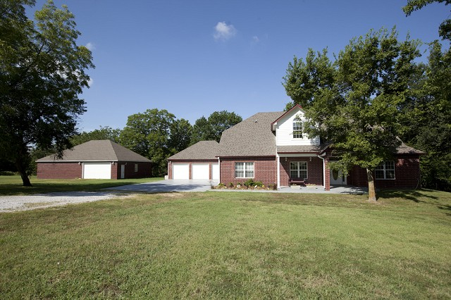 Featured Property in CATOOSA, OK, 74015