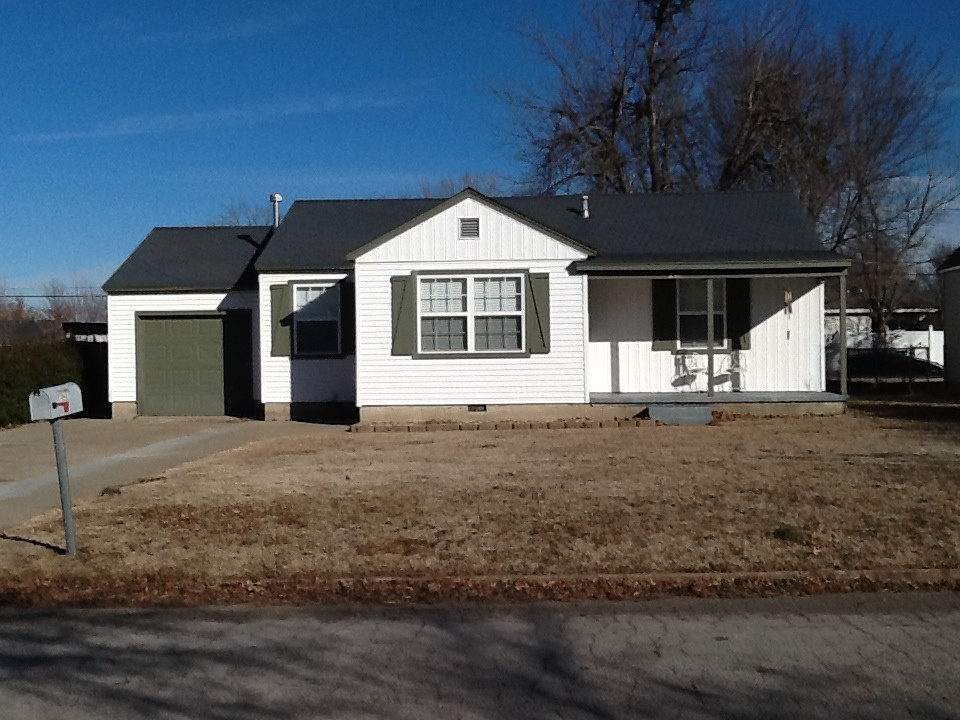 Single Family Home for Sale, ListingId:26789736, location: 216 E 12th Place Claremore 74017