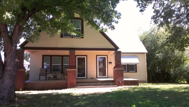 Single Family Home for Sale, ListingId:29077016, location: 1613 S Knoxville Avenue Tulsa 74112