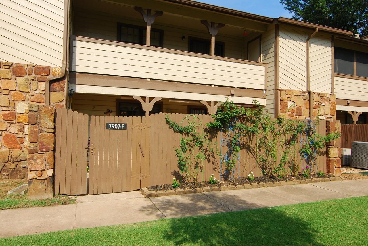 Single Family Home for Sale, ListingId:29276566, location: 7907 E 66th Street ,38F Tulsa 74133
