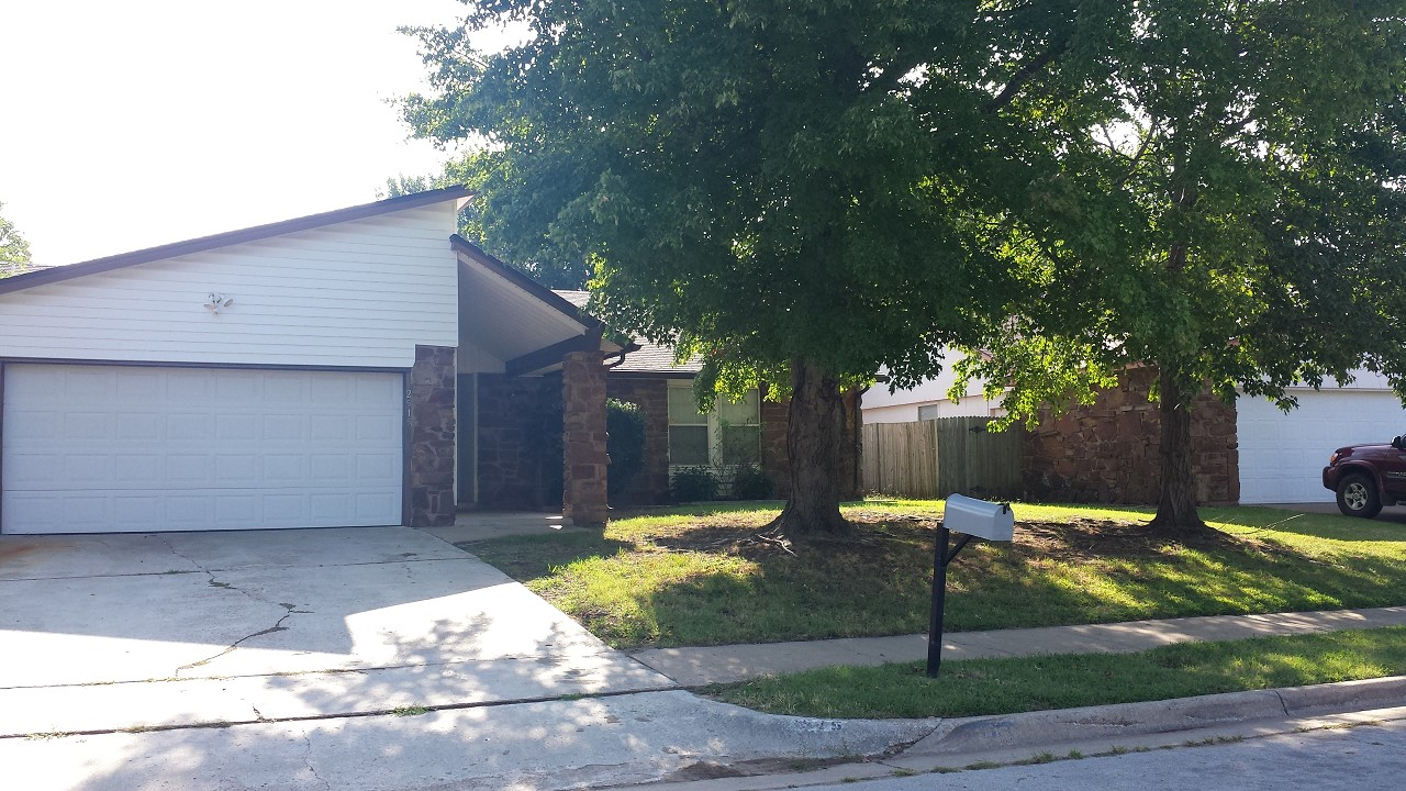 Single Family Home for Sale, ListingId:29859093, location: 2515 S 130th East Avenue Tulsa 74134