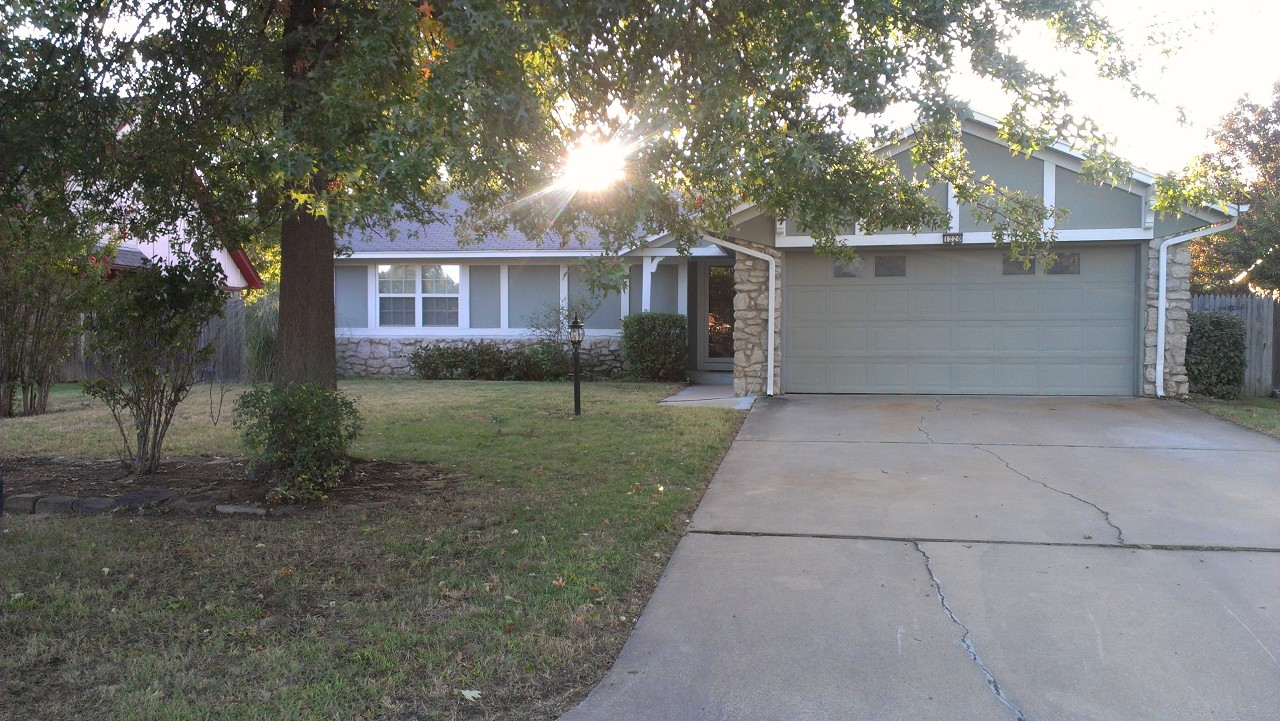 Single Family Home for Sale, ListingId:30207497, location: 1220 S Walnut Avenue Broken Arrow 74012