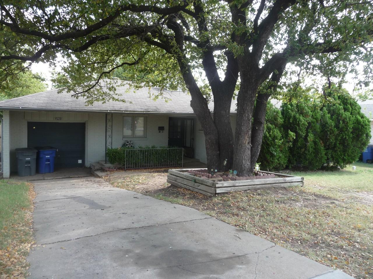 Single Family Home for Sale, ListingId:30294610, location: 3701 S Richmond Avenue Tulsa 74135