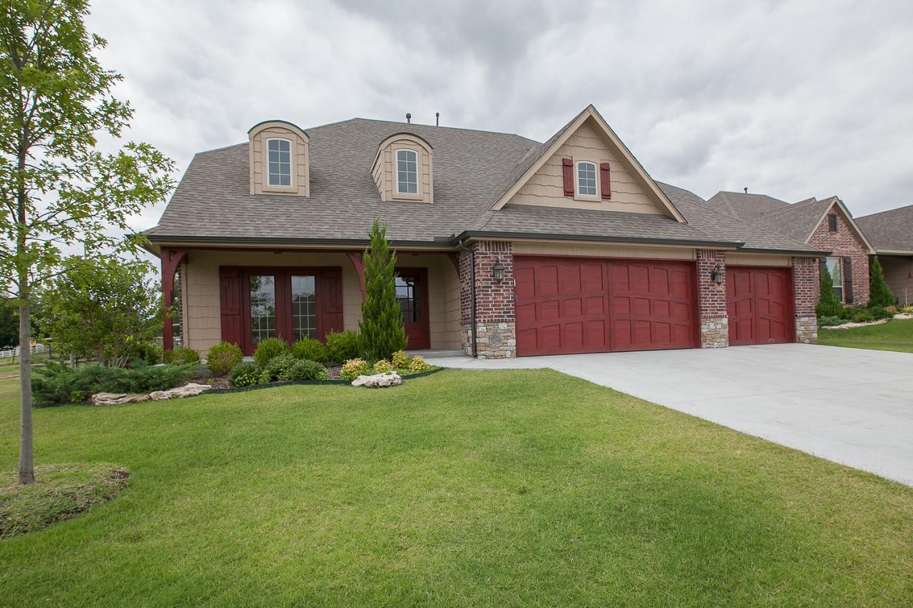 Single Family Home for Sale, ListingId:30347843, location: 10912 S Sycamore Street Tulsa 74137