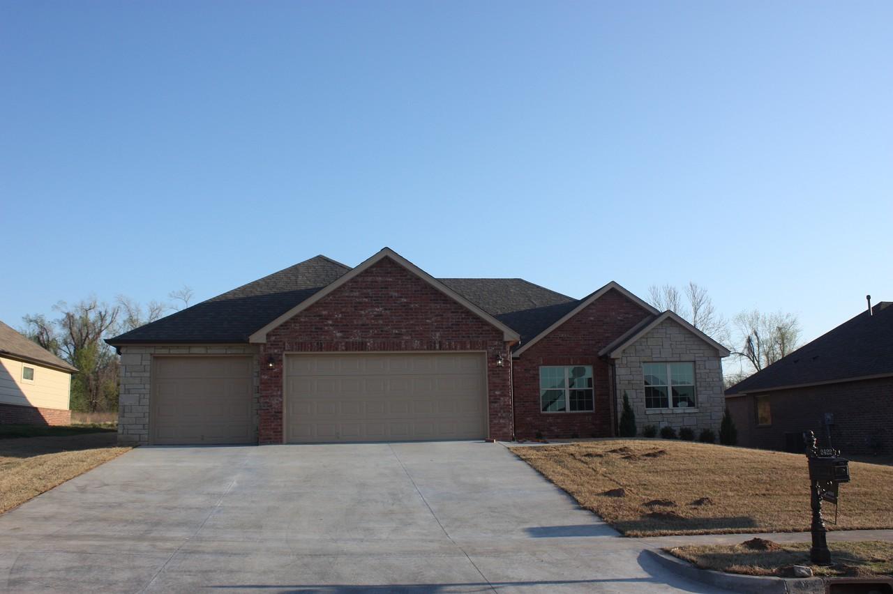 Single Family Home for Sale, ListingId:30673353, location: 2422 W Little Rock Place Broken Arrow 74011