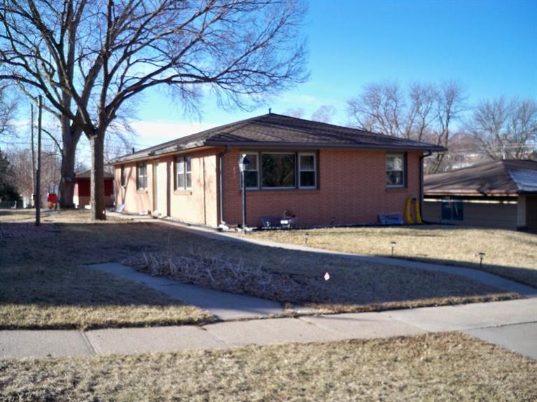 Real Estate for Sale, ListingId: 32035087, Seward,NE68434