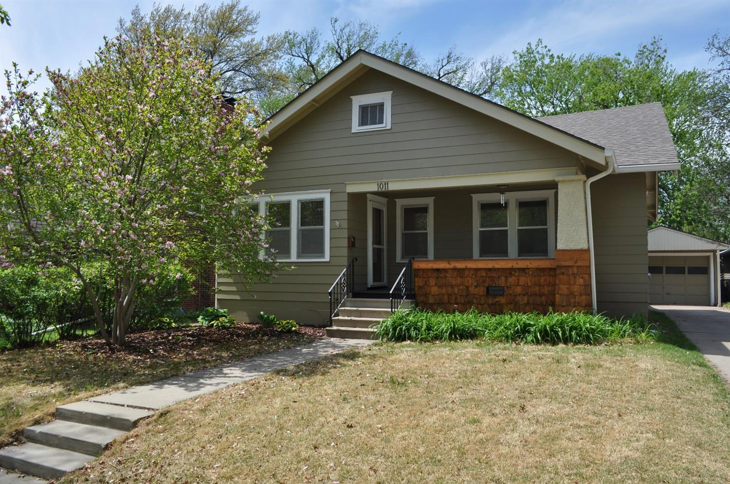 Photo of 1011 South 37th Street  Lincoln  NE