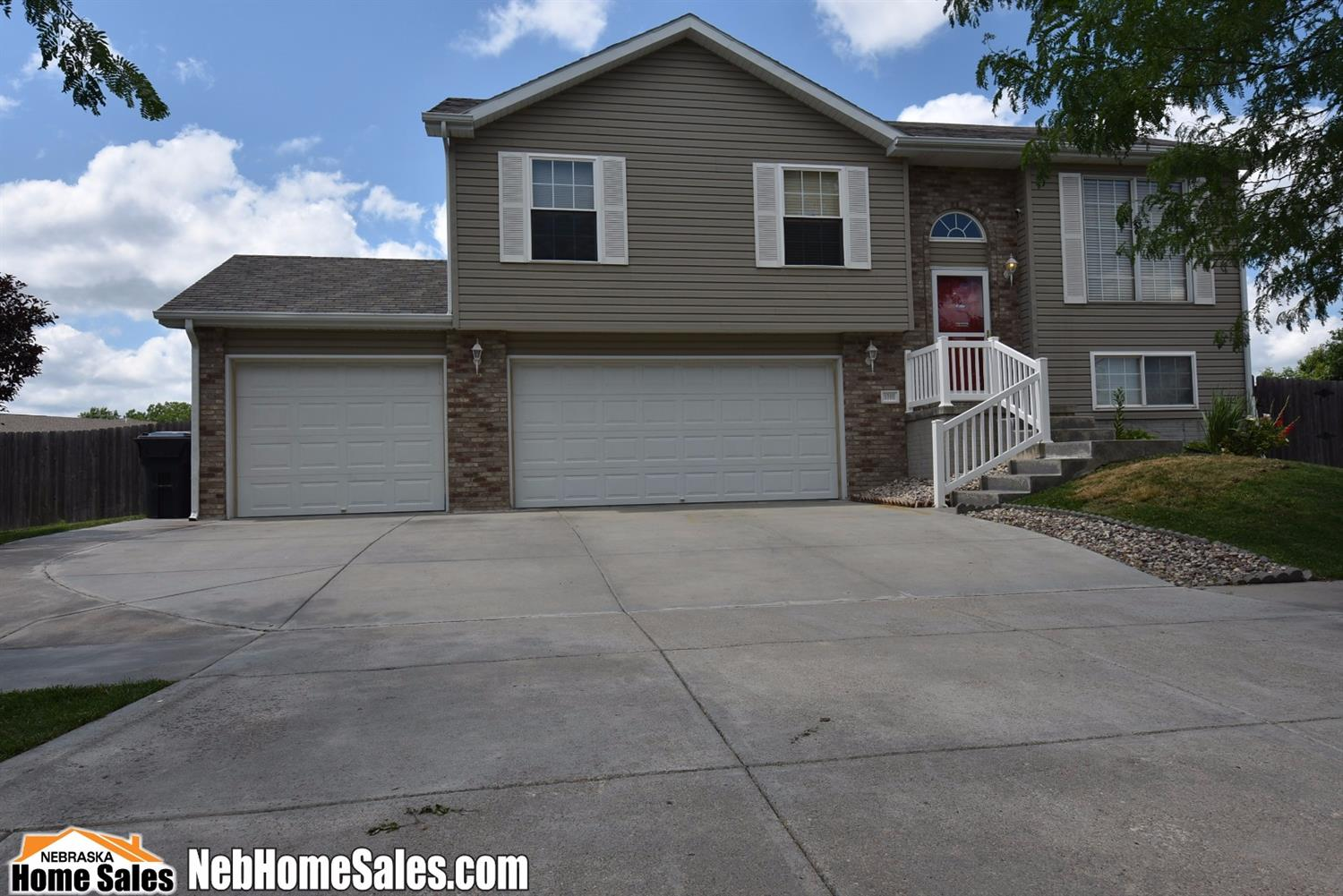 Detached Residential, SplitFoyer - Lincoln, NE (photo 1)