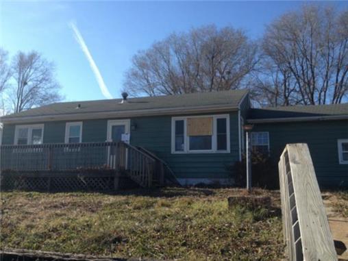 2604 Shelby St, Higginsville, MO 64037