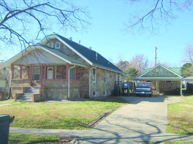 206 Euclid Ave, Monett, MO 65708