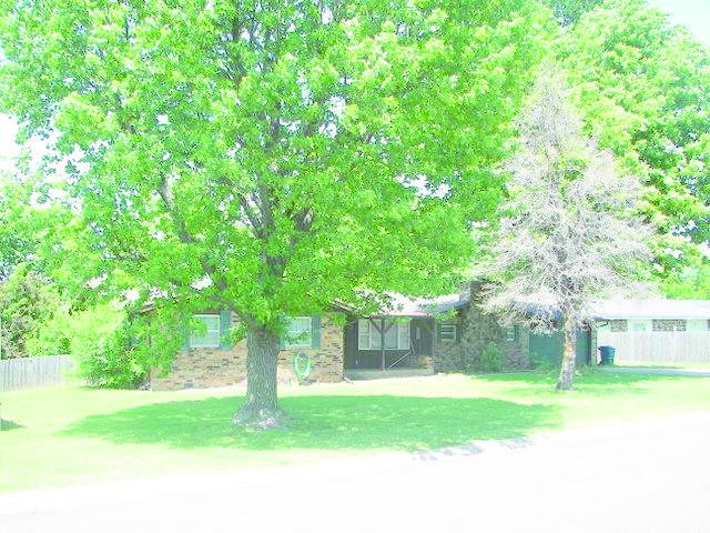 108 Fairway Ave, Monett, MO 65708