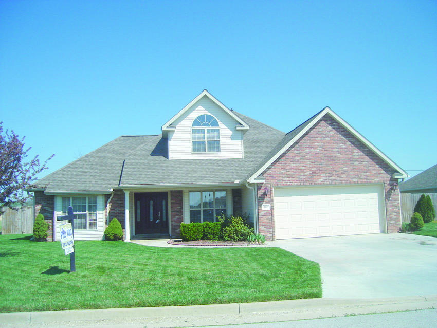 352 Sadie Ln, Webb City, MO 64870