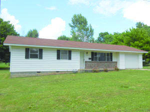 W Adams Ave, Pierce City, MO 65723