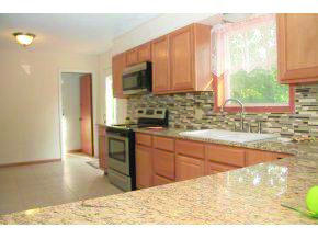 601 Cottage Ln, Neosho, MO 64850