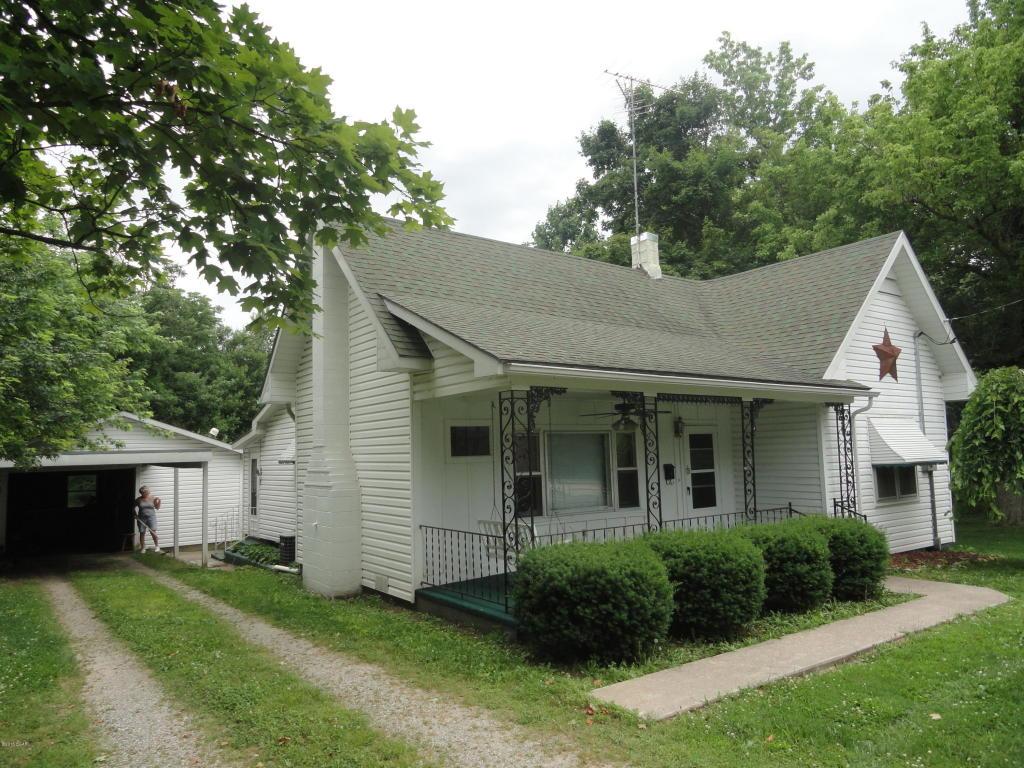 307 W Cale St, Monett, MO 65708