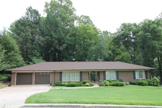 910 Hemlock Drive NE, Lenoir, North Carolina