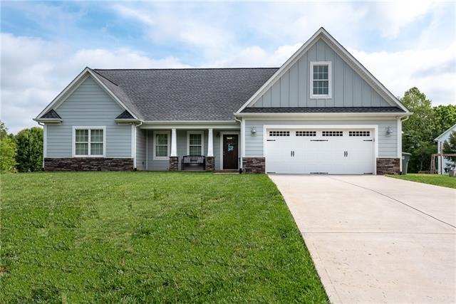 1704 Pipers Ridge Circle NW, Conover, North Carolina