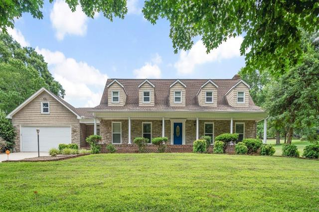 One of Conover 3 Bedroom Homes for Sale at 3622 Mulligan Drive NE