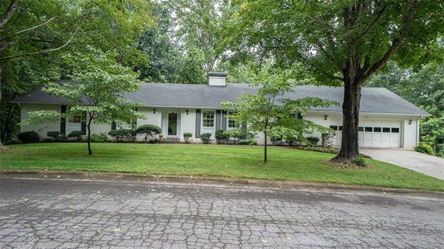 221 Oak Circle, Newton, North Carolina