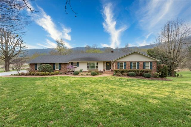 2814 Lakeview Drive, Lenoir, North Carolina