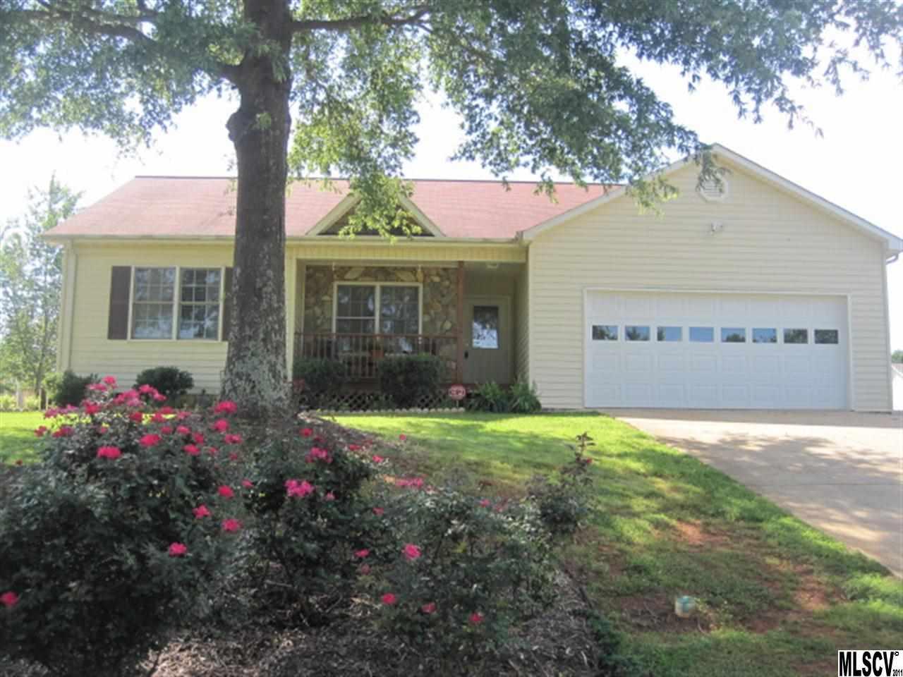1647 Farmington Hills Dr, Conover, NC 28613
