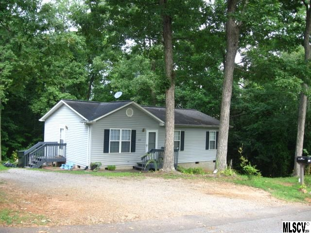 1124 15th St Sw, Hickory, NC 28602