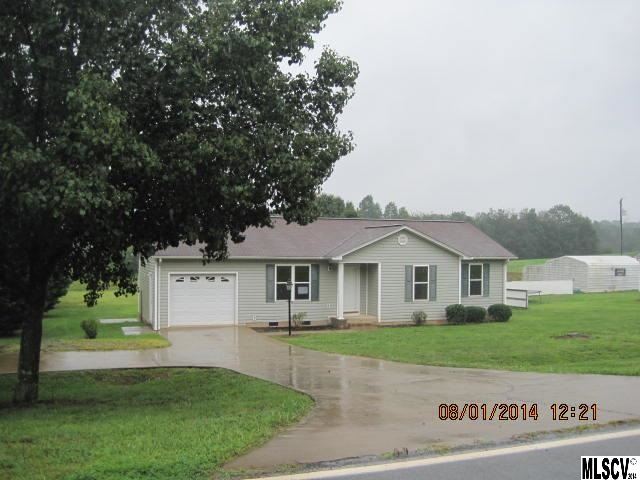 5046 Whitener Rd, Hickory, NC 28602