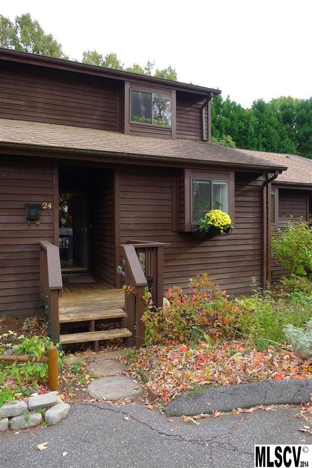 24 11th Ave Ne, Hickory, NC 28601
