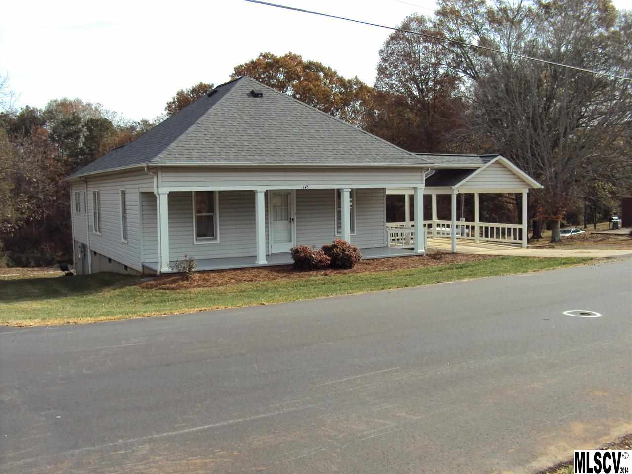 145 14th Ave SE, Hickory, NC 28602