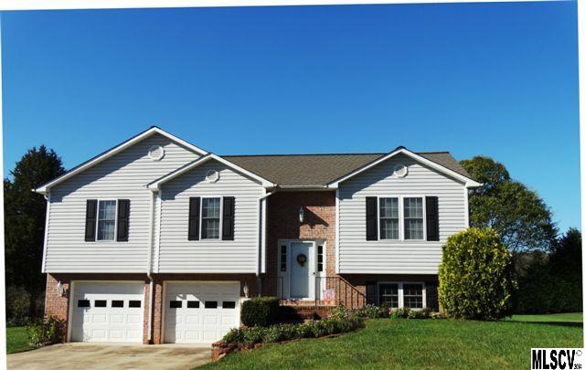 1512 Farmington Hills Dr, Conover, NC 28613