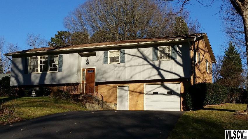 5461 Suttlemyre Ln, Hickory, NC 28601