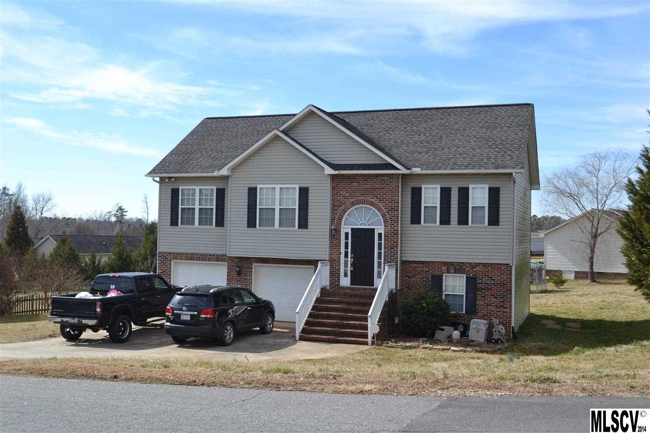 5023 Water Wheel Dr, Conover, NC 28613