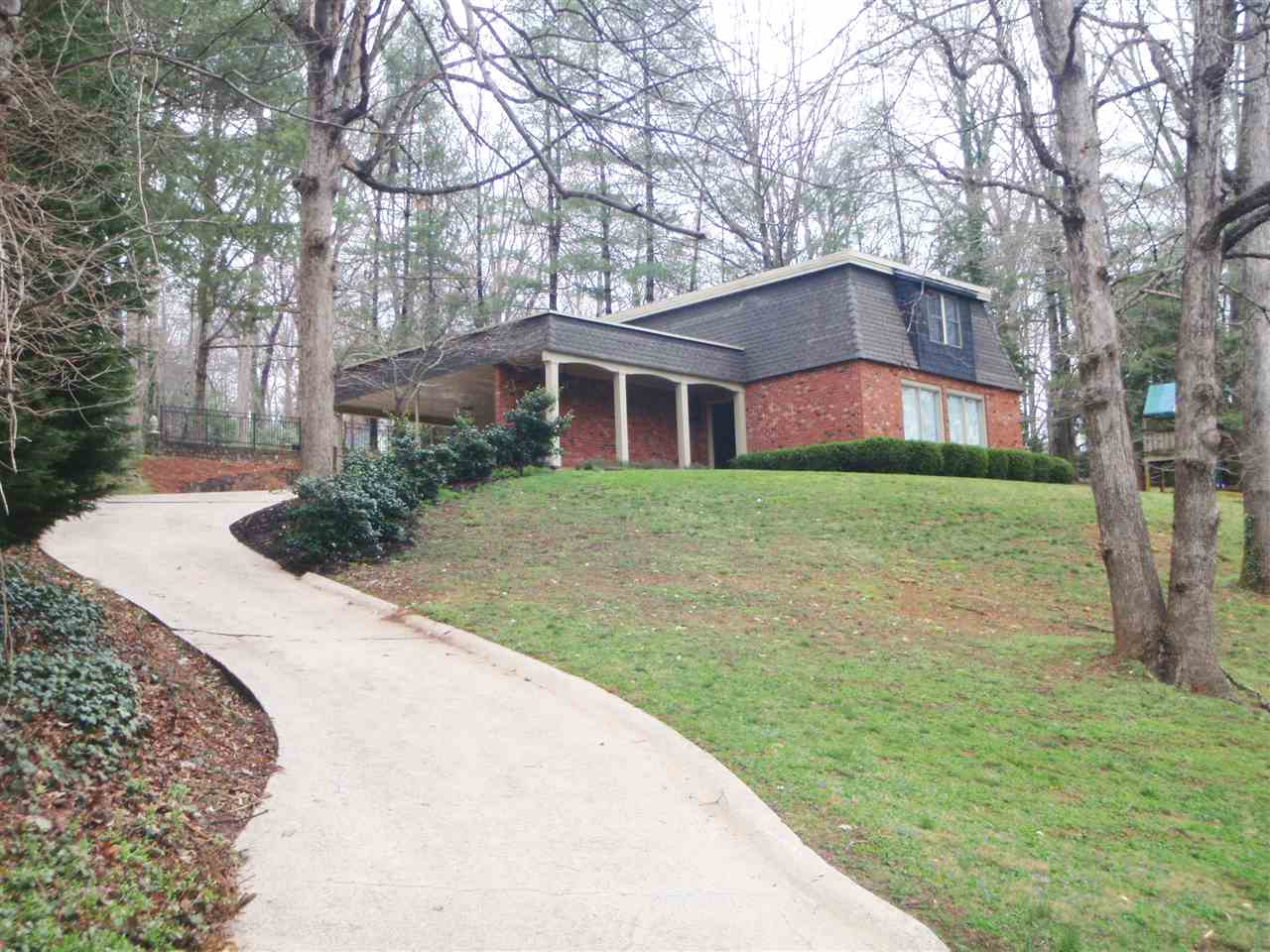 970 24th Ave Dr NW, Hickory, NC 28601