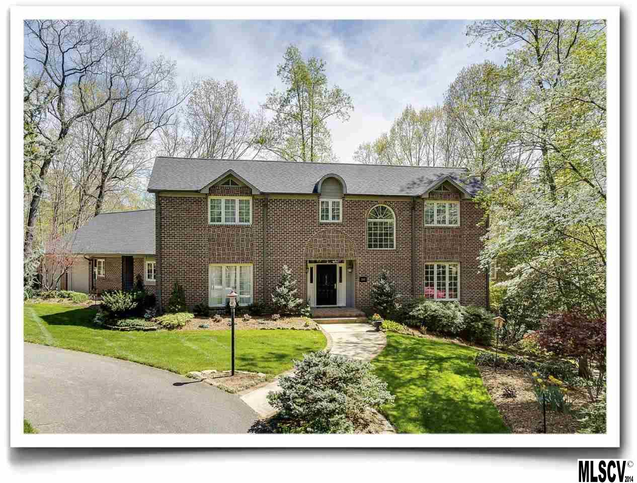 2140 9th St Nw, Hickory, NC 28601