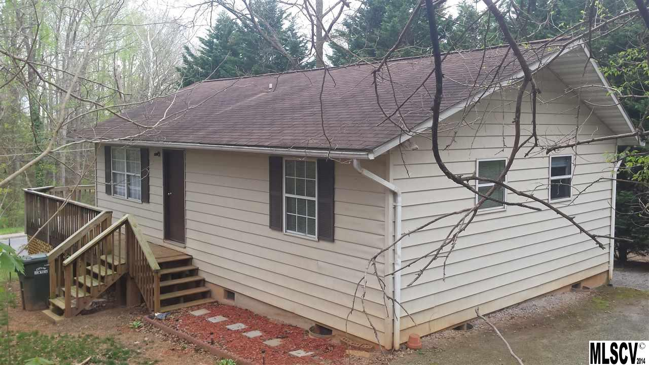 618 7th Ave Sw, Hickory, NC 28602