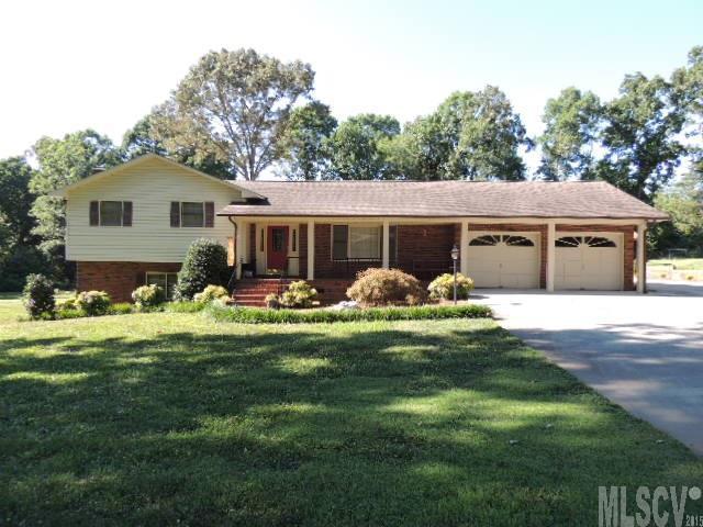 2860 Twin Oaks St, Claremont, NC 28610