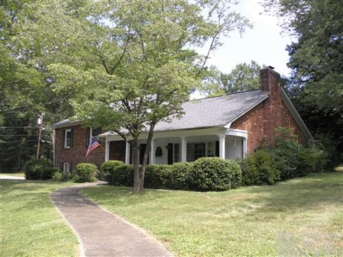 425 6th St Nw, Taylorsville, NC 28681
