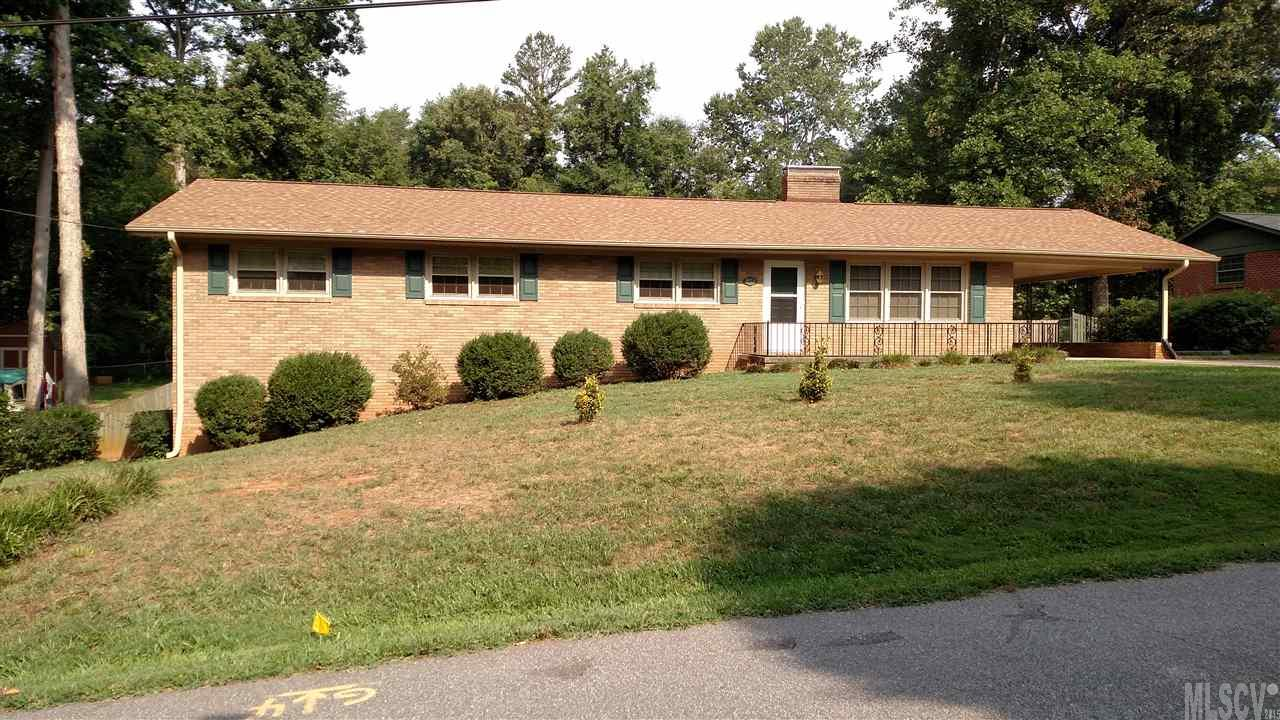 802 7th Ave Sw, Conover, NC 28613