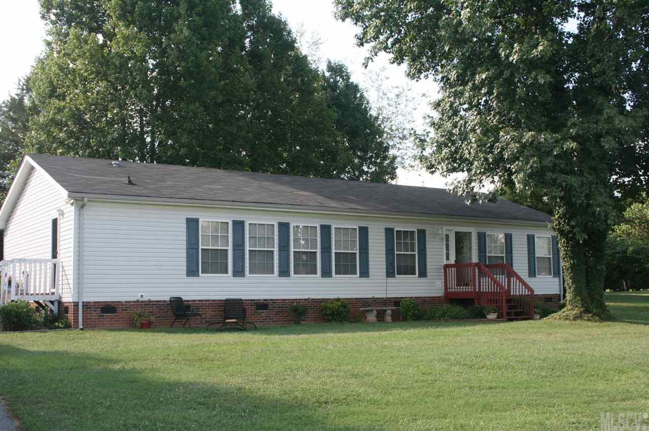 104 Grand Acres Ln, Maiden, NC 28650