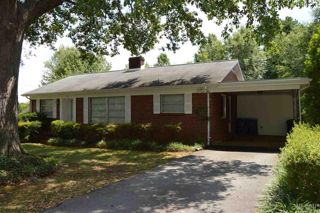 1921 4th Ave Nw, Hickory, NC 28601