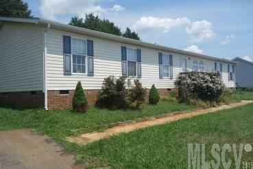 962 Eastern Ridge Dr, Newton, NC 28658