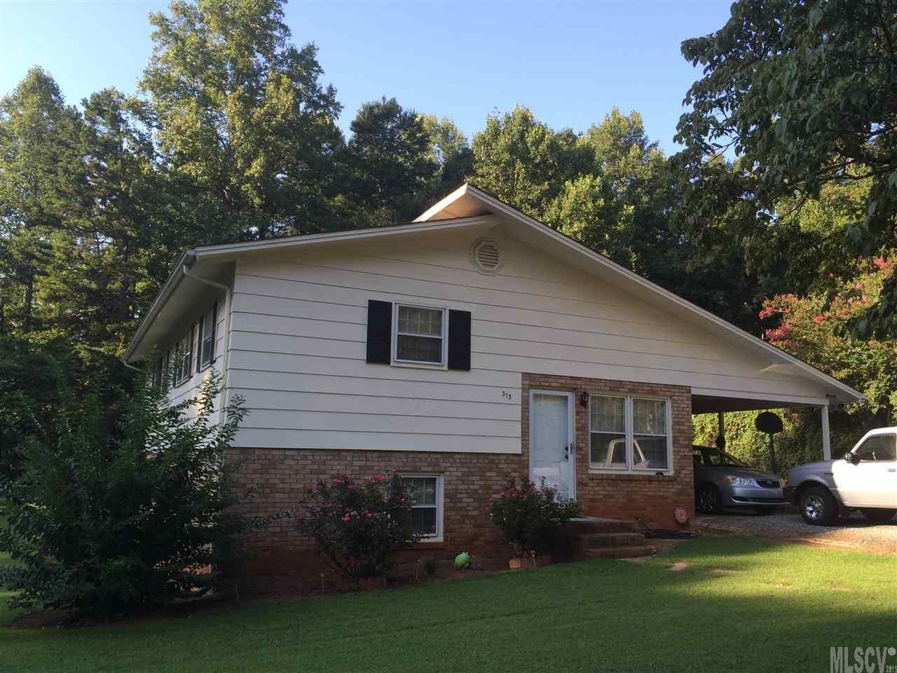 313 11th St Nw, Conover, NC 28613