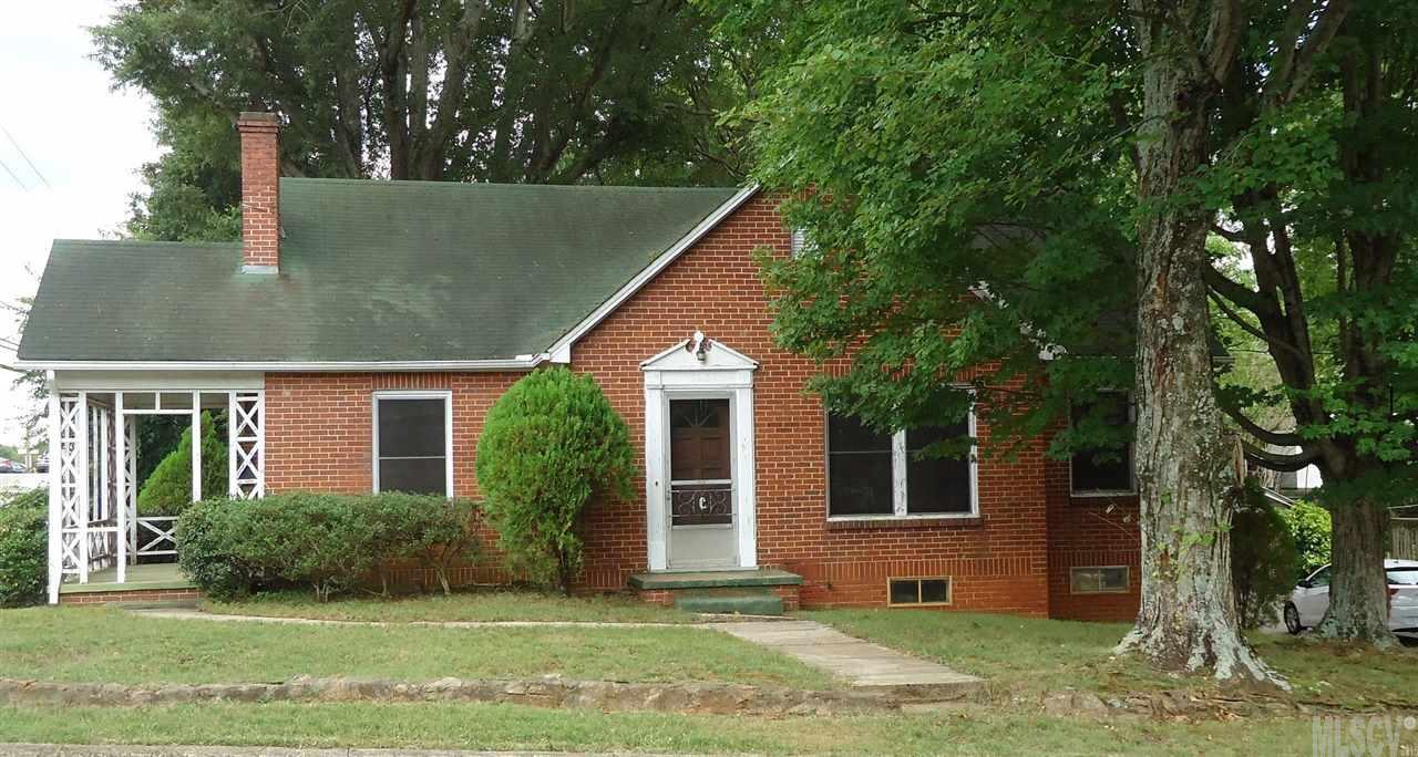 303 S Main Ave, Newton, NC 28658