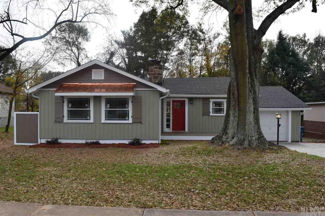 135 16th Ave Nw, Hickory, NC 28601