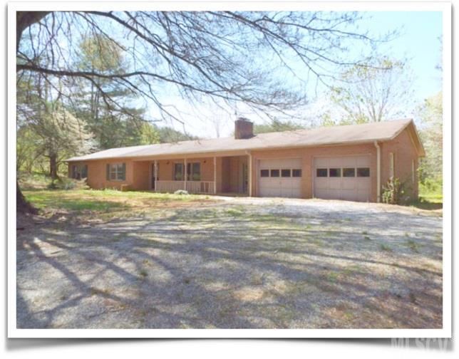 33 Whisperwood Ln, Taylorsville, NC 28681