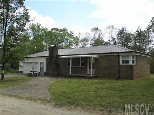 26 E Duncan Hill Ln, Taylorsville, NC 28681
